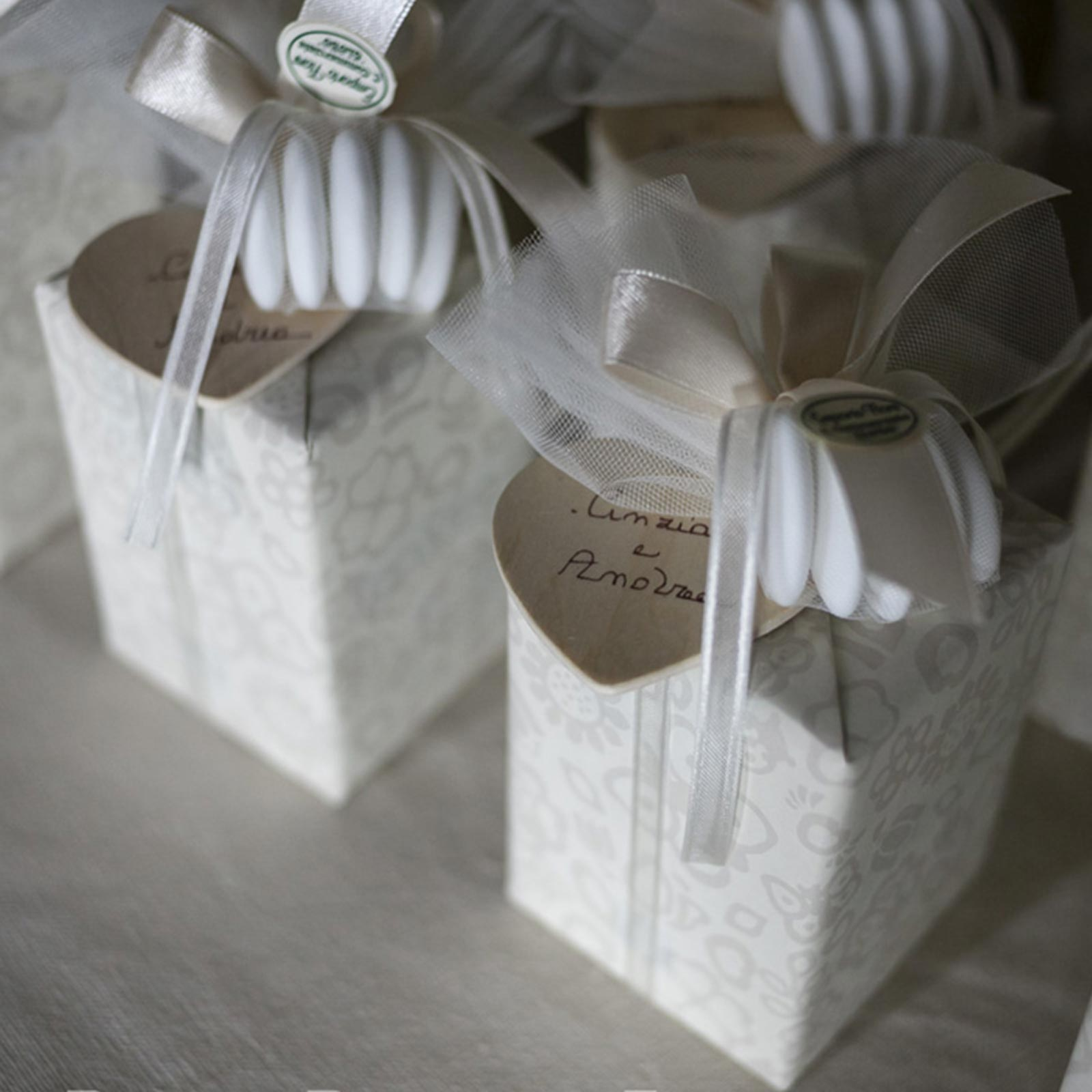 favours weddings como